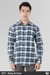 Kemeja Flannel - Racing On Green - 18217