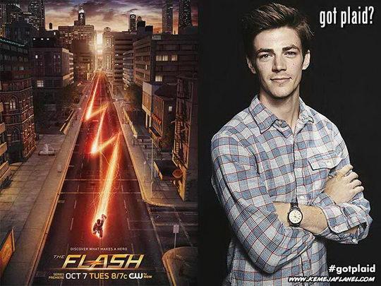 Grant Gustin, The Flash memakai kemeja flanel